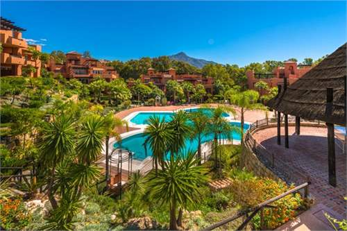 Flat, Spain